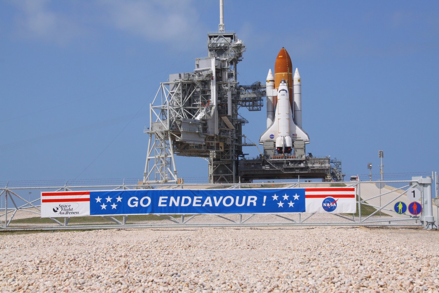 Endeavour-launchpad-small